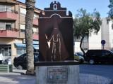 Staty utanför Iglesis de la Purisima.