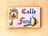 En av de vackra gatuskyltarna i Mazarrón.
